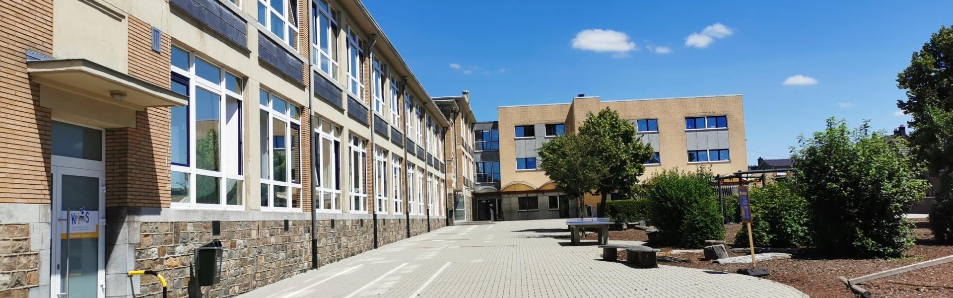 Grundschule Kelmis Außenansicht