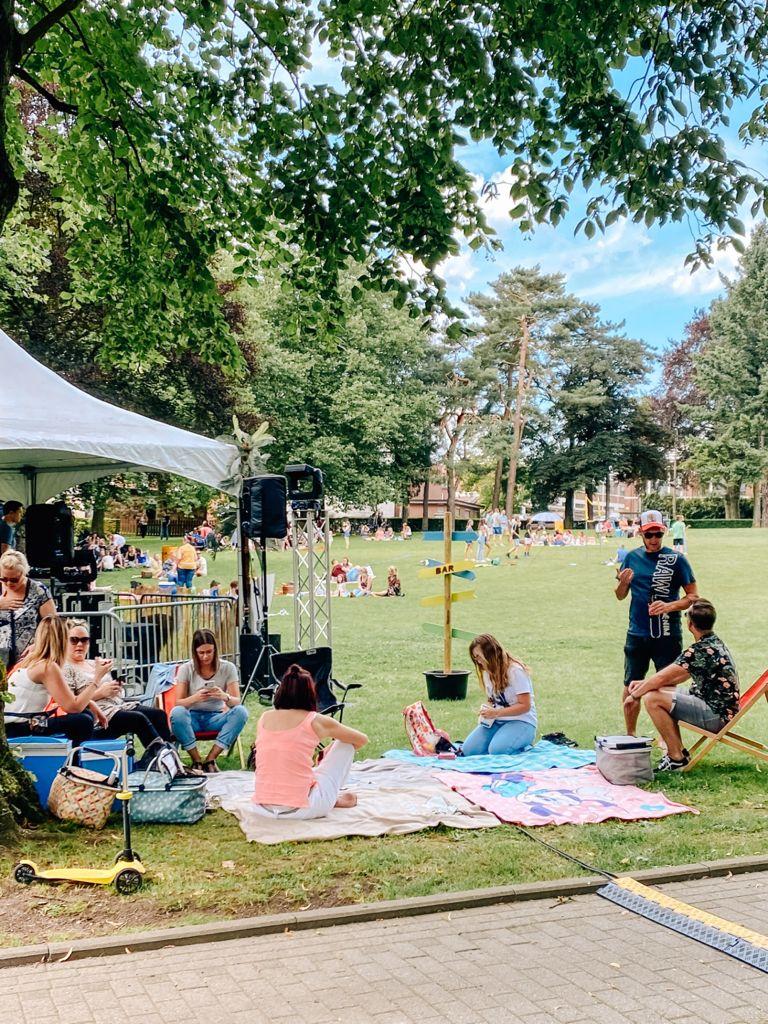 500 Gäste bei Chill & Music im Gemeindepark